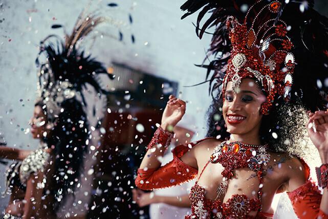 Mulher dançando no Carnaval